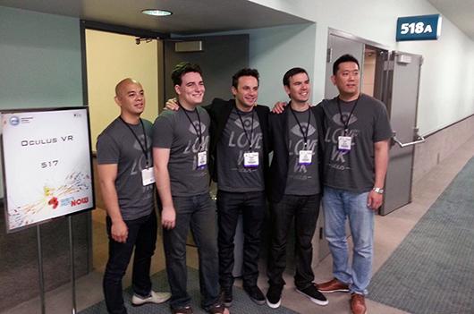 El equipo de OculusVR posa en el E3 2013