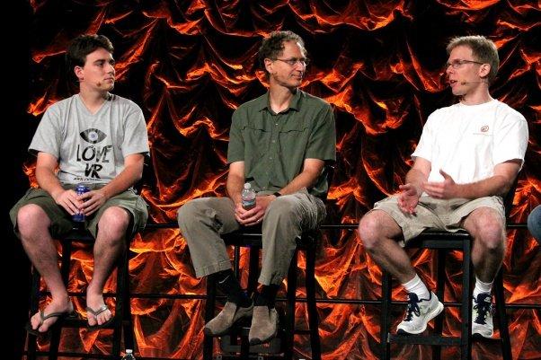 Palmer Luckey, Michael Abrash y John Carmack en el QuakeCon 2012