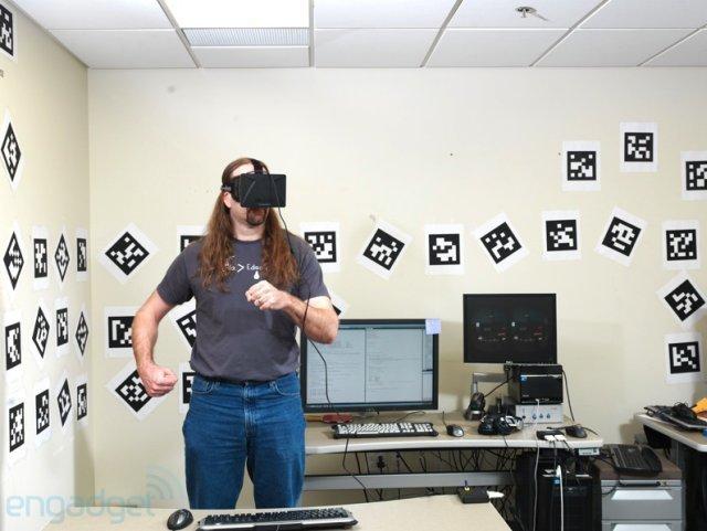 Joe Ludgwig de Valve en una sala con marcadores de posición
